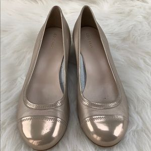 Cole Haan blush leather round toe low wedge shoe